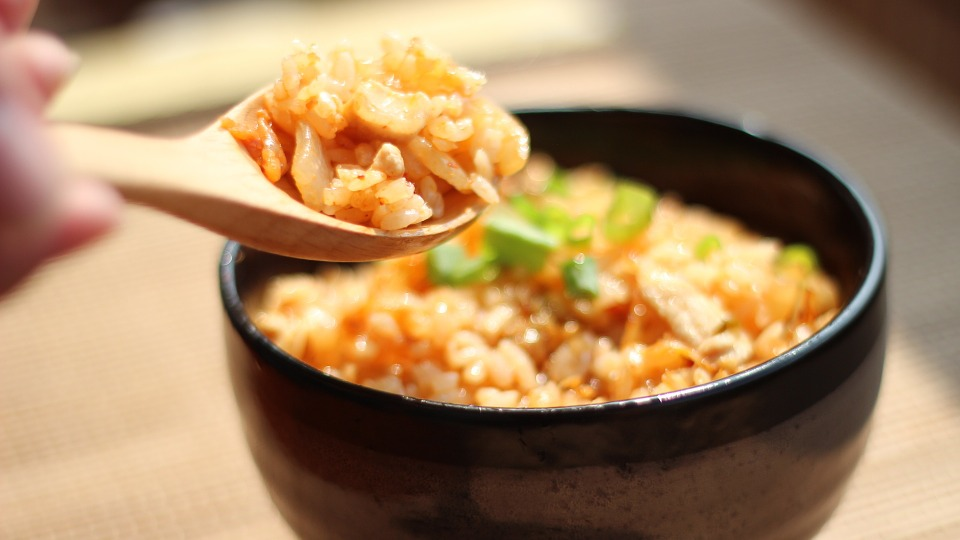 Image of fried rice in an article about cooking tips