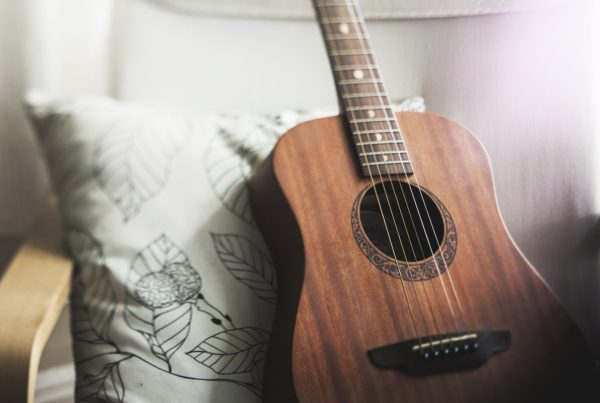 Image of guitar in an article about holding onto clutter