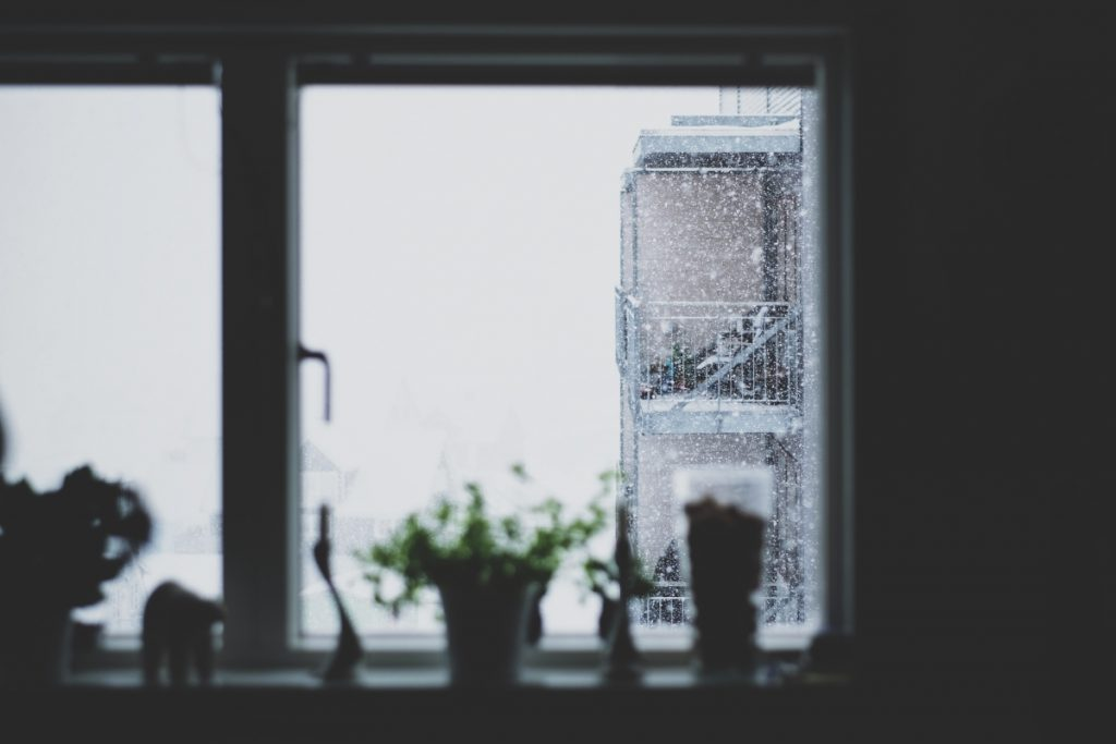 Image of Rainy Window for Article about Weekend Reads